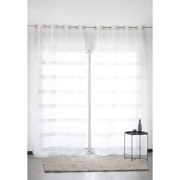 Rideau à oeillets tissage blanc brillant et rayures horizontales argentées.<br>Dim. 140x260 cm, polyester.