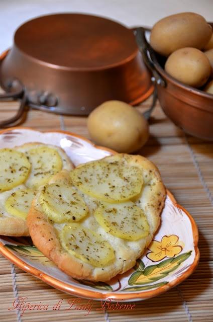 Italian food - Focaccia con patate e rosmarino