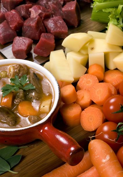 Healthy And Easy Crockpot Beef Stew With Winter Vegetables