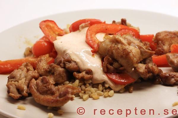 Kycklingkebab med en god kall sås - Recept