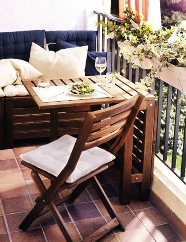 Balkontische verwandeln den Balkon in eine Erholungsoase