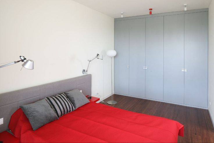 Ściana za łóżkiem. 12 pomysłów na oświetlenie w sypialni - Galeria - Dobrzemieszkaj.pl