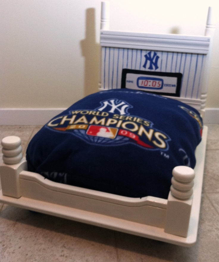 Upcycled Pet Bed New York Yankees