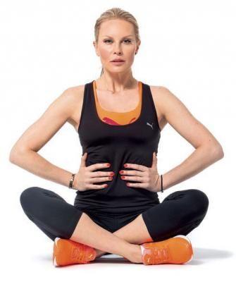 Trenérka 7 statečných Petra Munduchová a patronka soutěže Simona Krainová se shodly na tom, že nejproblematičtější partií každé ženy je břicho a střed těla, a tak pro vás připravily pár cviků.