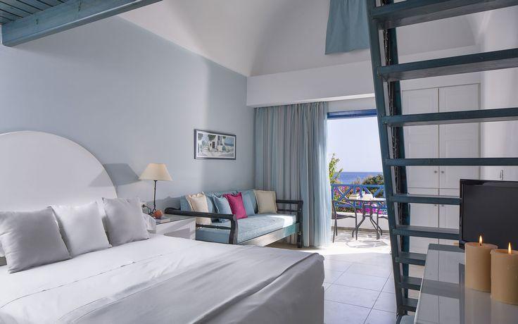 Veggera Hotel Santorini - Apartments in Perissa Beach