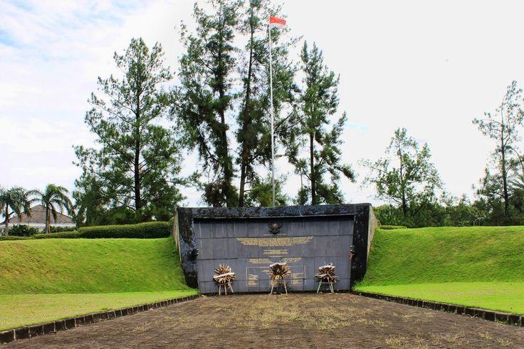 Monumen Lengkong Memperingati Peristiwa Lengkong di Tangerang Banten - Banten
