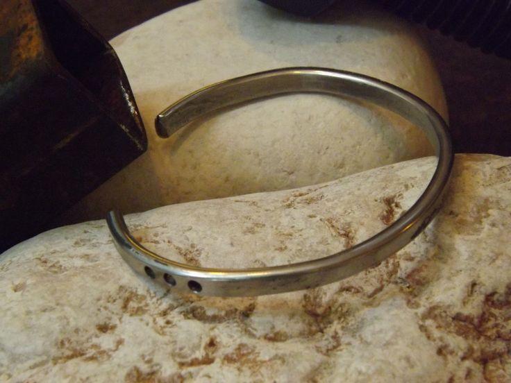 Bracciale in acciaio #itesoricoloniali #bracciali #acciaio #iron #stonewashed #reggioemilia #design #urban