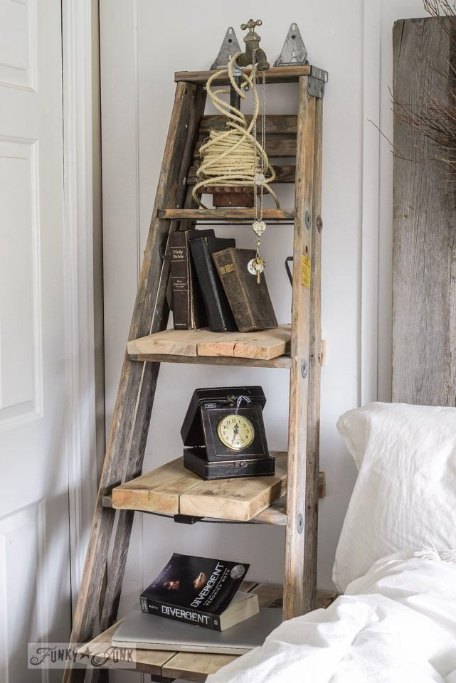 Лестница вместо прикроватной тумбочки