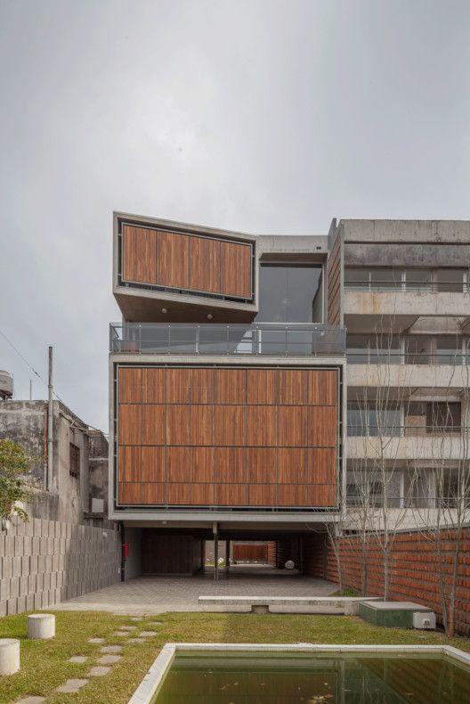 Condominio Mosconi 3,gif. Image © Federico Kulekdjian