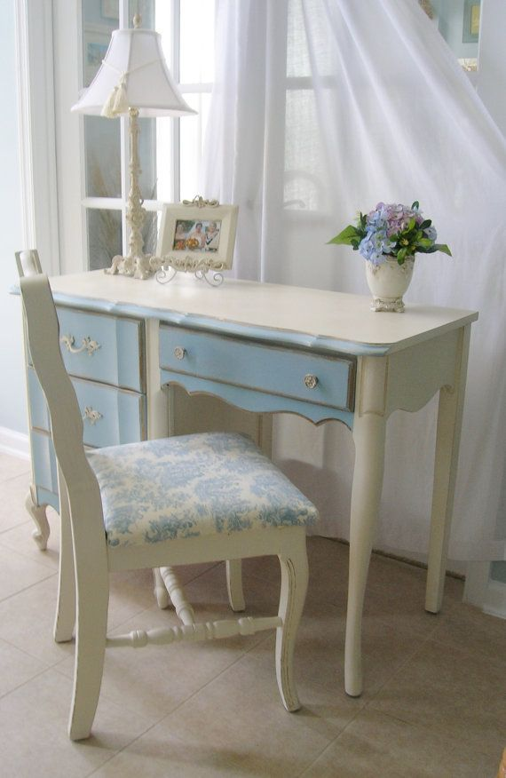 French provincial desk from LeonasFrontPorch is perfect for a home office!  Classic lines and feminine details.  #desks #office