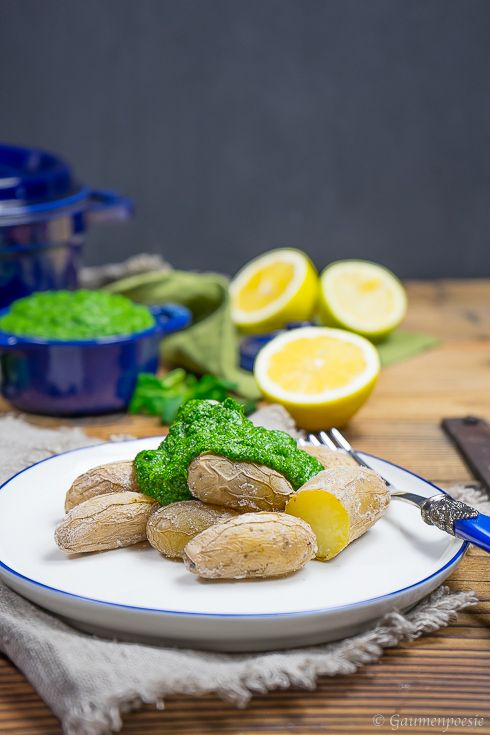 Kanarische Salzkartoffel mit Feldsalat-Pesto