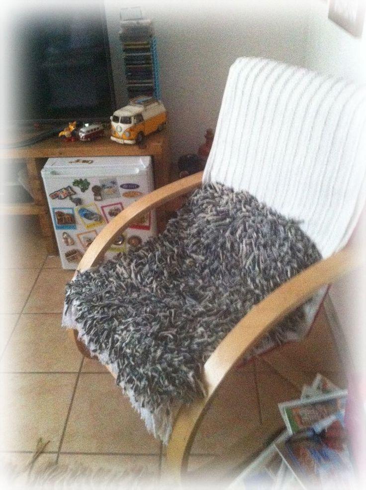 Un uso diferente, cómodo y original a mi mini alfombra.