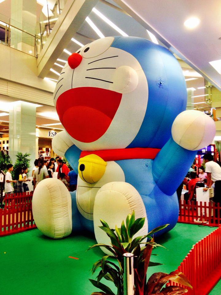 Giant Doraemon
