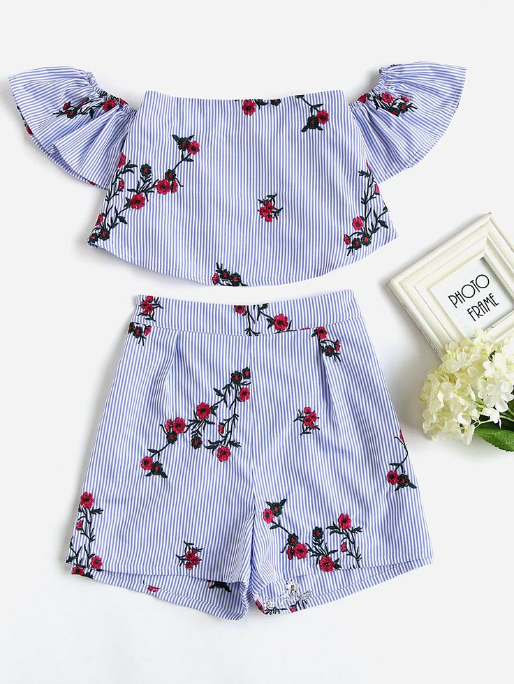 ¡Cómpralo ya!. Flower Embroidered Flounce Bardot Top And Shorts Set. Shorts Blue Polyester Striped Embroidery Off the Shoulder Short Sleeve Ruffle Zip Cute Sexy Vacation Fabric has no stretch Summer Two-piece Outfits. , tophombrosdescubiertos, sinhombros, offshoulders, offtheshoulder, coldshoulder, off-the-shouldertop, schulterfreiestop, tophombrosdescubiertos, topdosnu, topspallescoperte, hombrosdescubiertos. Top hombros descubiertos de mujer de SheIn.