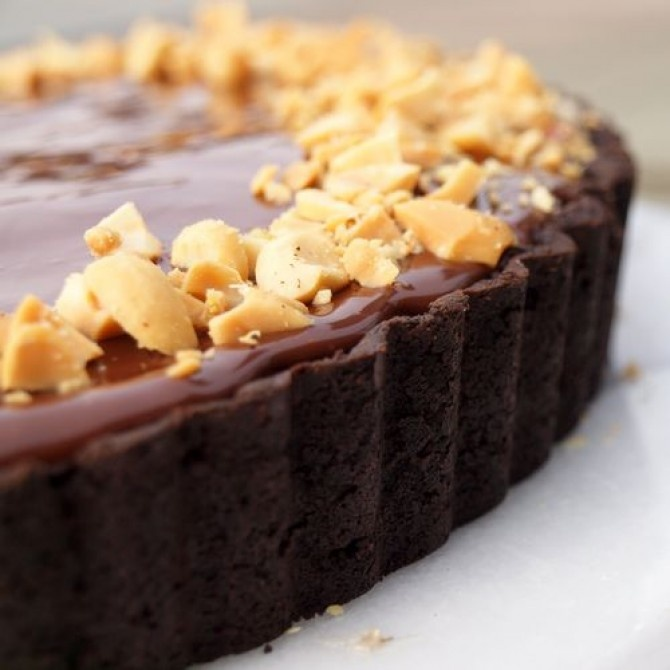 Chocolate Peanut Butter Pie. I love that the instructions include ...