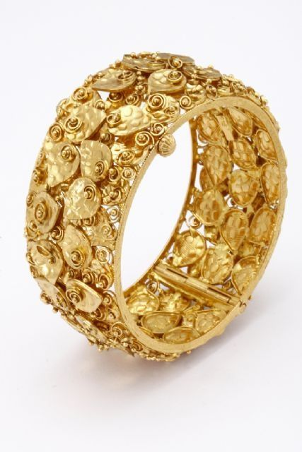 Gold Bangle Made in Delhi India.