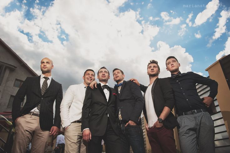 great composition for a pic of the groom and his guys!