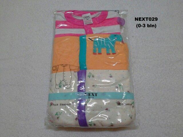 #Sleepsuit Next (NEXT029) ~ 130ribu ~ Ukuran : 3M. Untuk umur : 0-3 bln, Panjang badan bayi 56-62cm (4.5-6 kg) ~ Sleepsuit Next ini terdiri dari 3 baju dalam 1 paketnya (Lengan panjang & celana panjang tutup kaki yang menyatu)