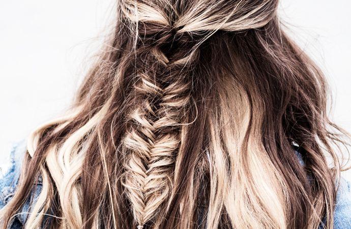 Natuurlijk zijn we dol op losse haren. Maar los haar is niet altijd even praktisch. Een goed en bovendien leuk alternatief is een kapsel met vlechtwerk.