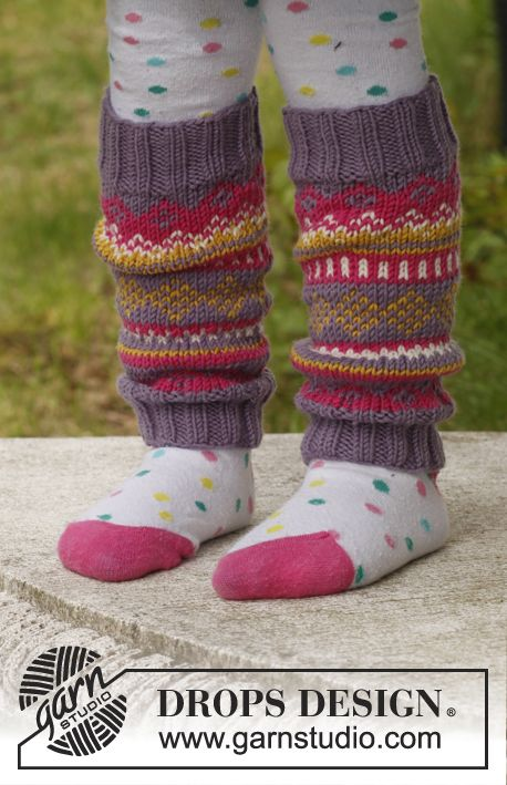 "Knitted DROPS leg warmers with pattern in ""Merino Extra Fine"". Size 3 - 12 years."