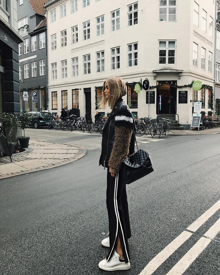 Owner of @HJ.MUSE  Copenhagen.  Scandinavian inquiries: pernille@smacagency.com  Worldwide: josefinehaaning@hotmail.com Snap: josefinehj