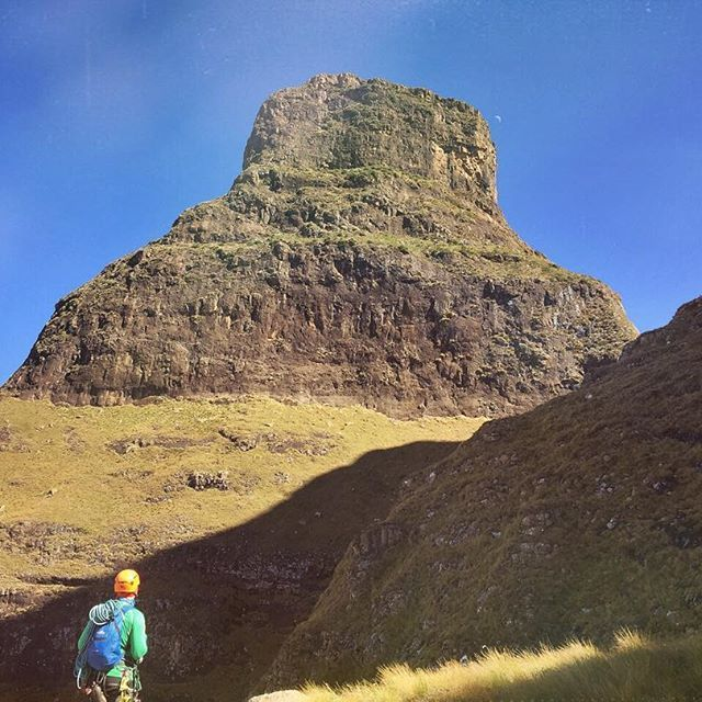 Goal in sight. Pausing around the corner from Bell Cave to eye out the days prize - The Bell. Drakensberg, South Africa. #drakensberg #adventure #wanderlust #explore #tradclimbing #tradisrad #instanature #instagood #africa #southafrica #kzn #mountains #rockclimbing #hiking #hikingadventures #drakensbergadventures #nature @mcsa_kzn #bergclimbing #thebell #hoopersroute