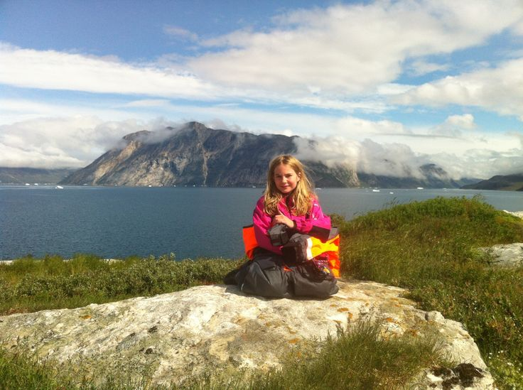 På toppen af en øde ø i Nuuk-fjorden, 2013