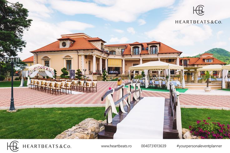 Elegant Outdoor wedding location and decoration