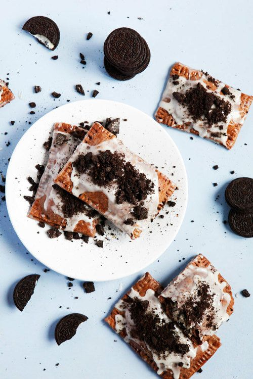 Cookies & cream homemade Oreo pop tarts