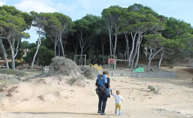 Een uitgebreide lijst met tips voor Mallorca met kinderen. Activiteiten, speeltuinen, strand en restaurants. Leuke ideeën voor jouw vakantie met de kids!