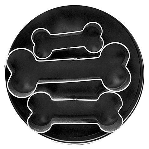The Dog Bone Cookie Cutters feature 3 different-sized dog bone cookie cutters so you can create fun cookies. Made of tin-plated steel, these cookie cutters are durable and worthy of a celebratory bark.