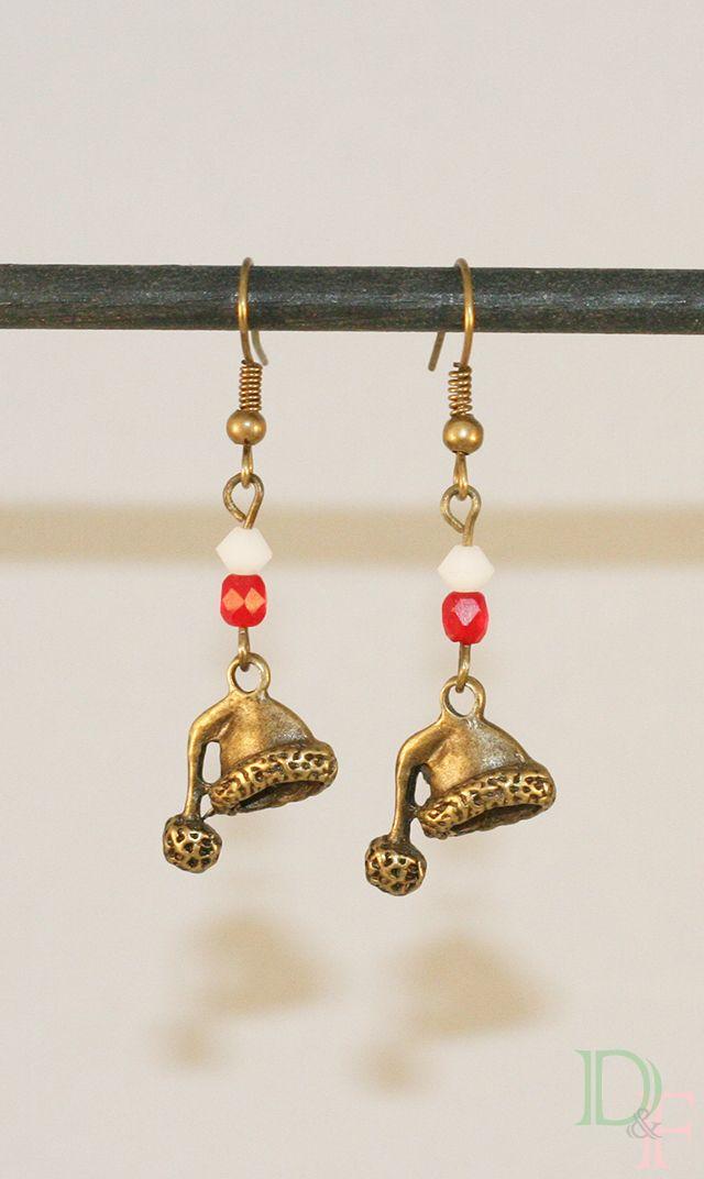Boucles doreilles bonnet du père Noël / Santa claus hat earrings http/