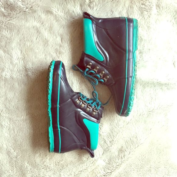 Retro LL Bean Boots Great condition, soles are dirty but that's about it! They're navy and turquoise, definitely make a statement! L.L. Bean Shoes Winter & Rain Boots