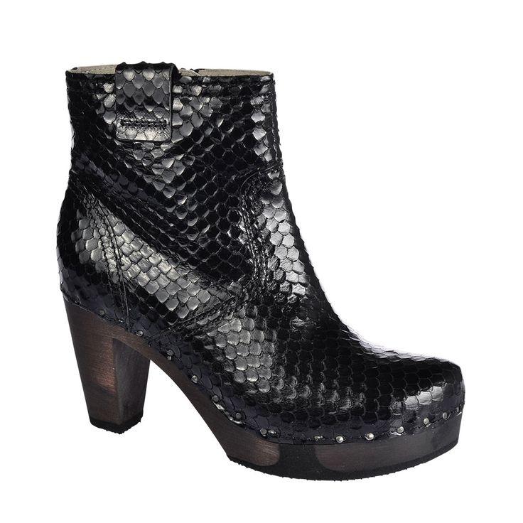 SOFTCLOX Fara Glanzcobra schwarz #softclox #munich #muc #fall #fallshoes #fallfavorites #darksole #woddensole #cobra