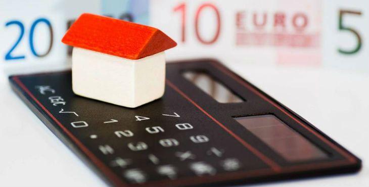 """El Juzgado Numero 3 de Torrijos en Toledo ha resuelto en sentencia declarar nula la cláusula """"gastos hipotecarios"""" que se derivan de la formalización de hipoteca, una sentencia dentro de una serie de sentencias contra la banca por los gastos hipotecarios"""