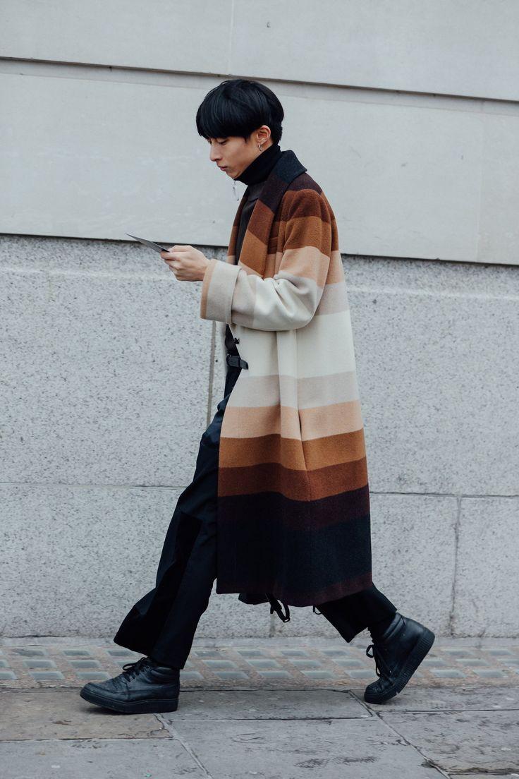 Vogue. Best of street style at  London Fashion Week (Men's)