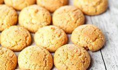 Νόστιμα και θρεπτικά, τα μπισκότα αυτά είναι εύκολα στην παρασκευή τους και τρώγονται πολύ ευχάριστα- κι όχι μόνο σε περίοδο νηστείας-συνοδεύοντας το γάλα, το τσάι ή τον καφέ μας.