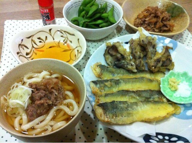 キュウリは、野菜ではなく魚の名前です 正式名・サケ科キュウリウオ〜北海道独特の魚て、生の匂いが野菜のキュウリにそっくり! ワカサギ・チカのような白身魚 - 17件のもぐもぐ - キュウリと舞茸の天ブラ・牛うどん・枝豆 by ma0327
