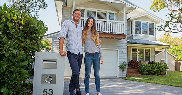 There are many people sitting on the sidelines trying to decide if they should purchase a home or sign a rental lease. Some might wonder if it makes sense to purchase a house before they are married and have a family. Others may think they are too young. And still others might think their curren