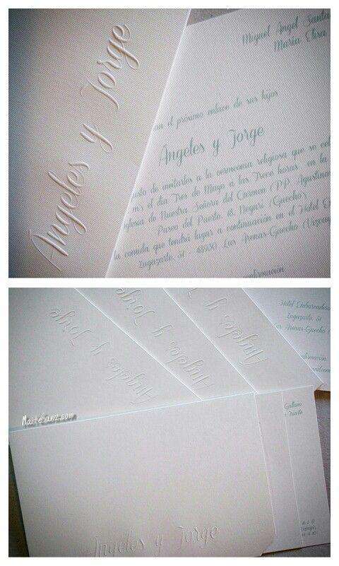 MaiteSanz. Estuches sencillos con los nombres de la pareja en relieve. #invitaciones #boda #bodas #wedding #clasicas #personalizadas #madrid #estuche #novios #ideas #relieve