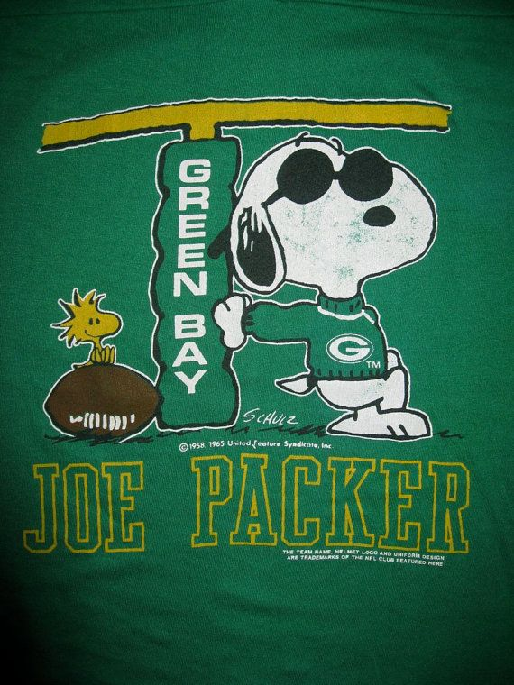 snoopy packer t-shirt | Vintage 1980's Football Jersey Green Bay Packers Snoopy T-shirt size ...