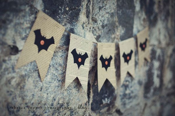 Halloween banner. Would be cute with pumpkins too.