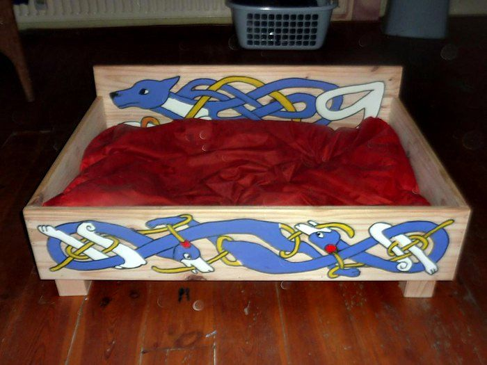 Celtic dog bed by PLP Woodworks