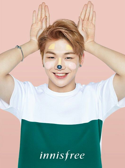 Kang Daniel for Innisfree Clay Color Mask poster (4/4)