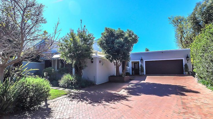 5 Bedroom House in Constantia