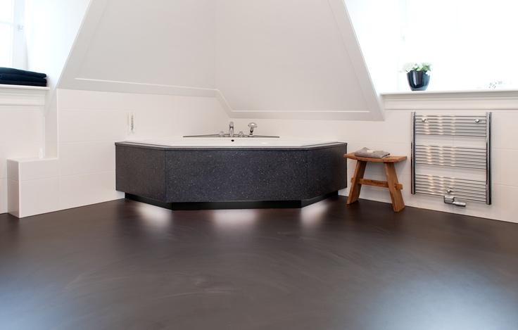 De Motion PU gietvloeren worden o.a. toegepast in badkamers, slaapkamers, woonkamers en keukens. De Motion Gietvloer is naadloos, ruimtelijk, antiallergisch, scheuroverbruggend en geschikt voor vloerverwarming.