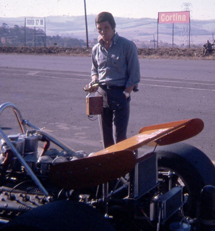Basil van Rooyen looking over one of the Gunston sponsored F1's @ Roy Hesketh