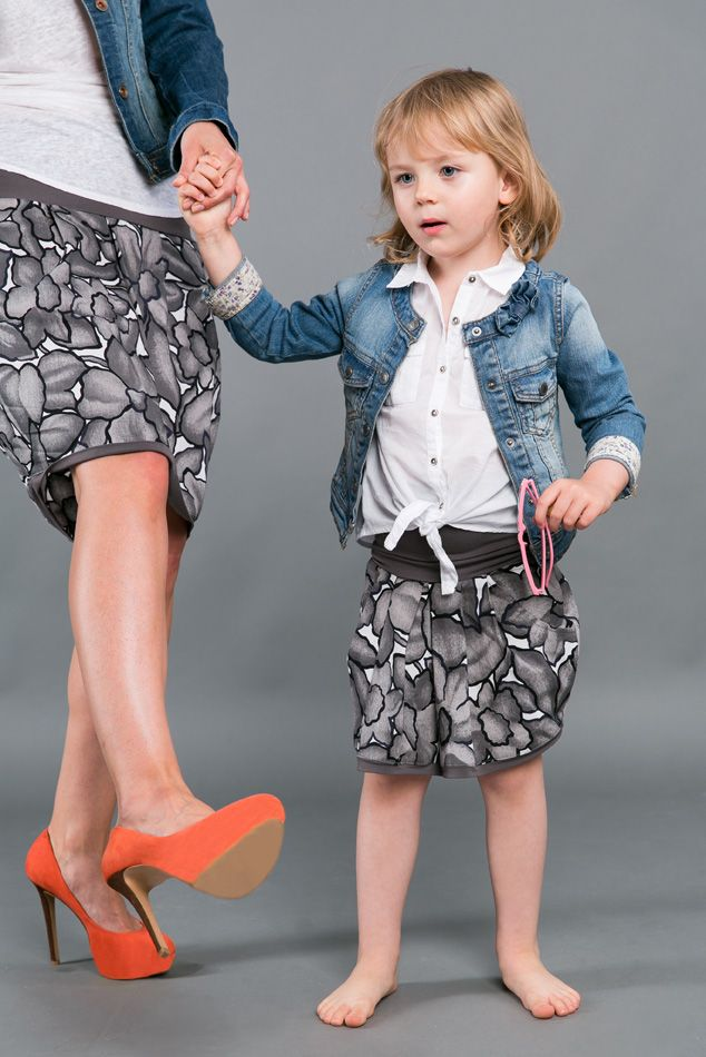 GRAY FLOWERS SKIRT - matching mommy and daughter outfits. Set of two cotton skirts in muted tones of gray. Convenience guaranteed by a wide welt at the waist, so that you can adjust the length. Skirt adapts and grows with the child and mom forgives extra inches at the waist.  http://www.thesame.eu