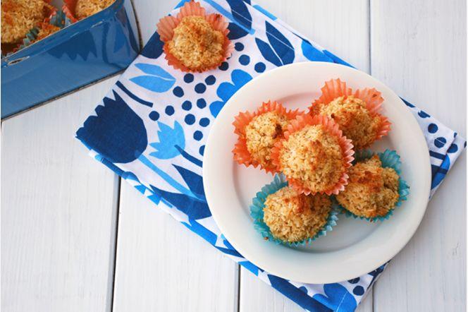 Kokostoppar med citron  De klassiska kokostopparna här bakade med kokossocker och med en tydlig smak av citron. Tillsammans med en kopp kaffe blir de en perfekt avslutning på picknicken.