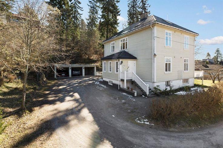 (1) FINN – Herskapsvilla på Slemdal, fjordutsikt, garasje, utleiedel og mulig praktikantdel, delvis oppussingsobjekt med stort potensial